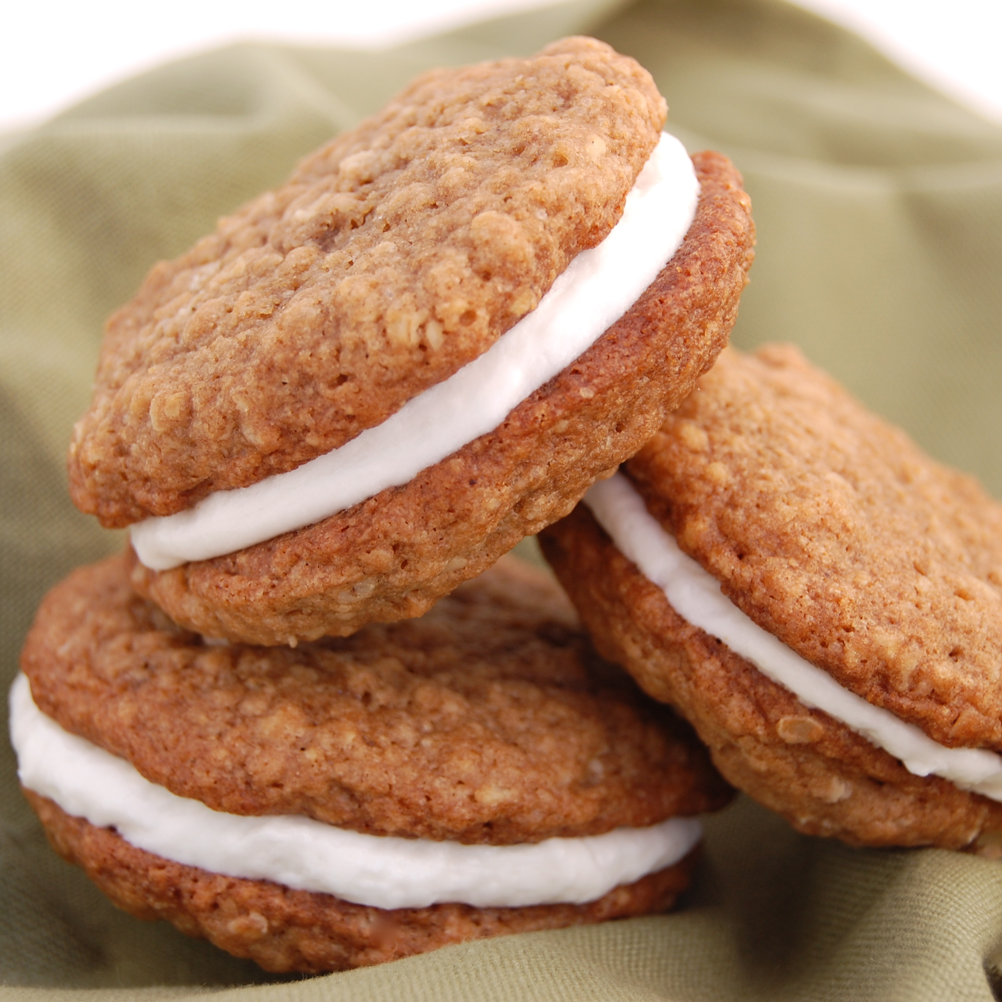 Sweet Pea's Kitchen » Oatmeal Creme Pies