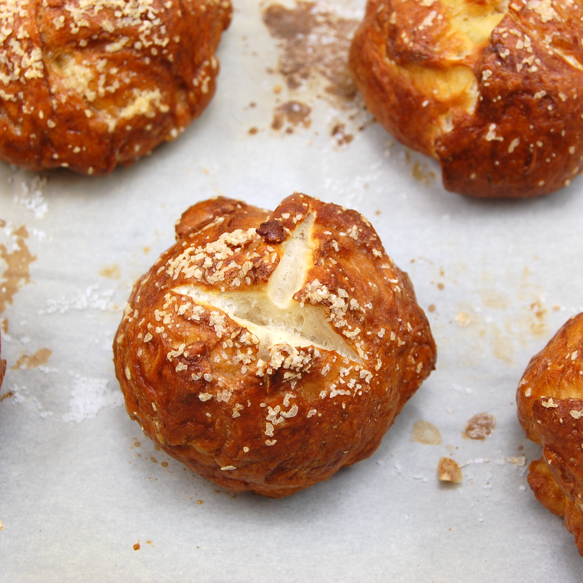 Sweet Pea's Kitchen » Pretzel Rolls
