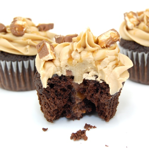 Sweet Pea's Kitchen » Snickers Cupcakes